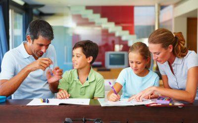 Come insegnare il lavoro del graphic design a tuo figlio